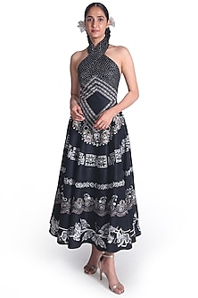 Black Embroidered Backless Gown by Samant Chauhan-SAMANT CHAUHAN