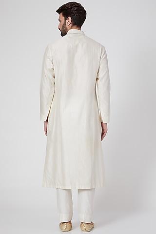 White Embroidered Kurta by Samant Chauhan Men