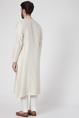White Embroidered Kurta Set by Samant Chauhan Men
