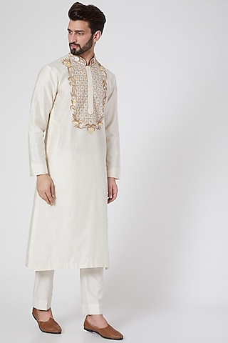 White Aari Embroidered Kurta Set by Samant Chauhan Men