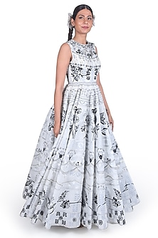 Off White Embroidered Gown by Samant Chauhan-SAMANT CHAUHAN