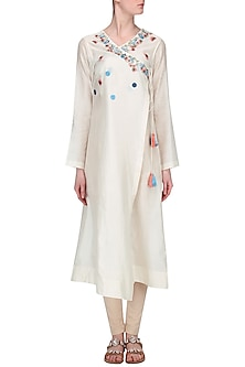 Off White Embroidered Angrakha Kurta by Samant Chauhan