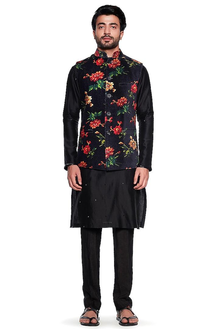 Black Floral Printed Bundi Jacket by Siddhartha Bansal Men