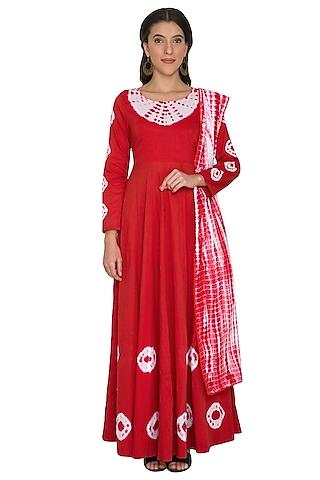 Red Tie-Dye Anarkali With Dupatta by Shalini Dokania