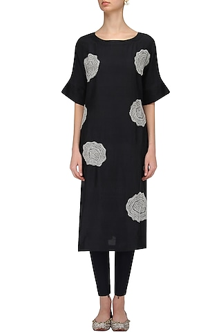 Black Floral Work Kurta by Label Ishana