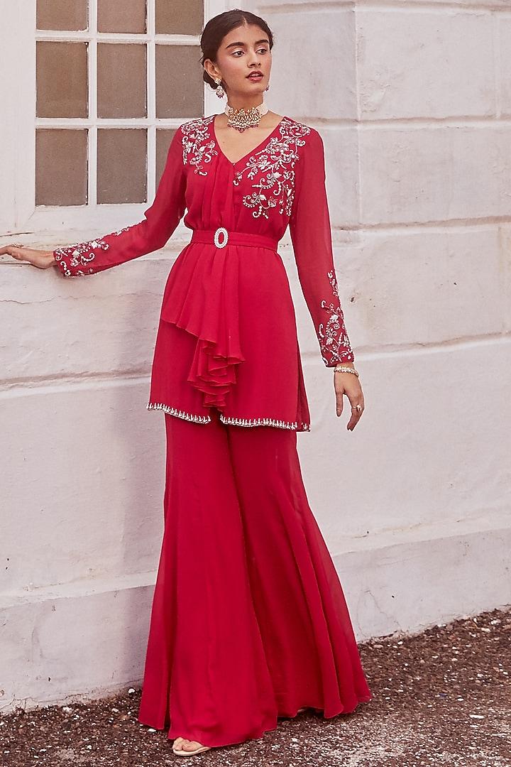 Fuchsia Hand Embroidered Kurta Set by Sanya Gulati