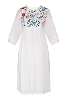 White Aari Embroidered Dress by Sagaa by Vanita