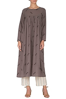 Grey Jamdani Kurta With Pants by Sagaa by Vanita