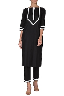 Black Geometrical Kurta With Pants by Sagaa by Vanita