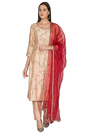 Pink Embroidered Kurta Set by Shasha Gaba