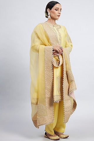 Daffodil Yellow Embroidered Kurta Set by Sheetal Batra