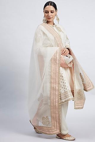 Daisy Ivory Tilla Embroidered Kurta Set by Sheetal Batra