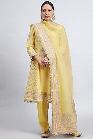 Daffodil Yellow Tilla Embroidered Kurta Set by Sheetal Batra