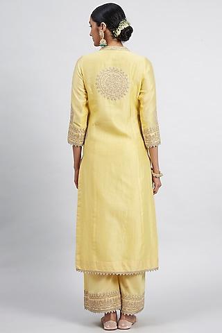 Daffodil Yellow Embroidered Kurta Set With Side Pockets by Sheetal Batra