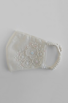 White Floral Appliques Embroidered Reusable Mask by Shivangi Jain