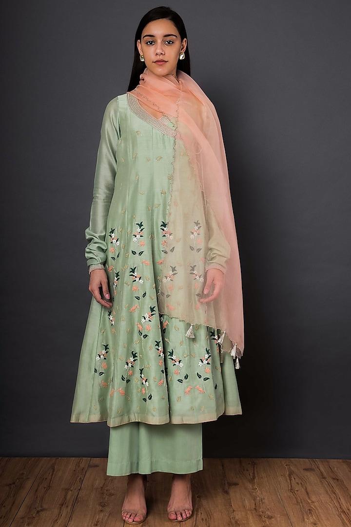 Green Embroidered Angrakha Kurta Set by Shikha Mehta