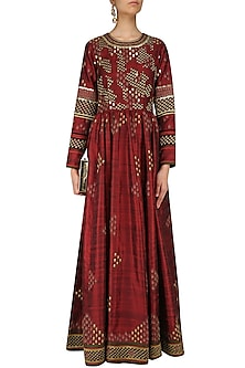 Maroon Embroidered Valley Of Flowers Tunic by Shasha Gaba
