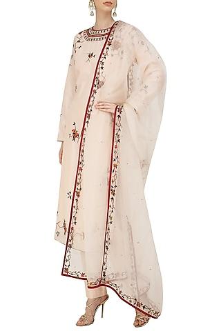Peach Floral Motifs Embroidered Kurta Set by Shasha Gaba