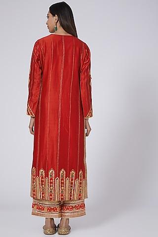 Red Chanderi Kurta Set With Digital Patch Work by Simar Dugal