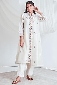 Ivory Embroidered Kurta With Slip & Pants by Sitaraa-SITARAA