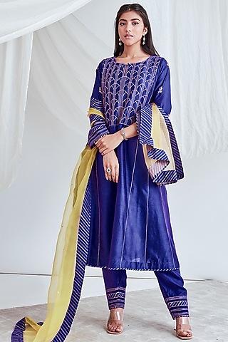 Purple Embroidered Kurta Set by Sitaraa