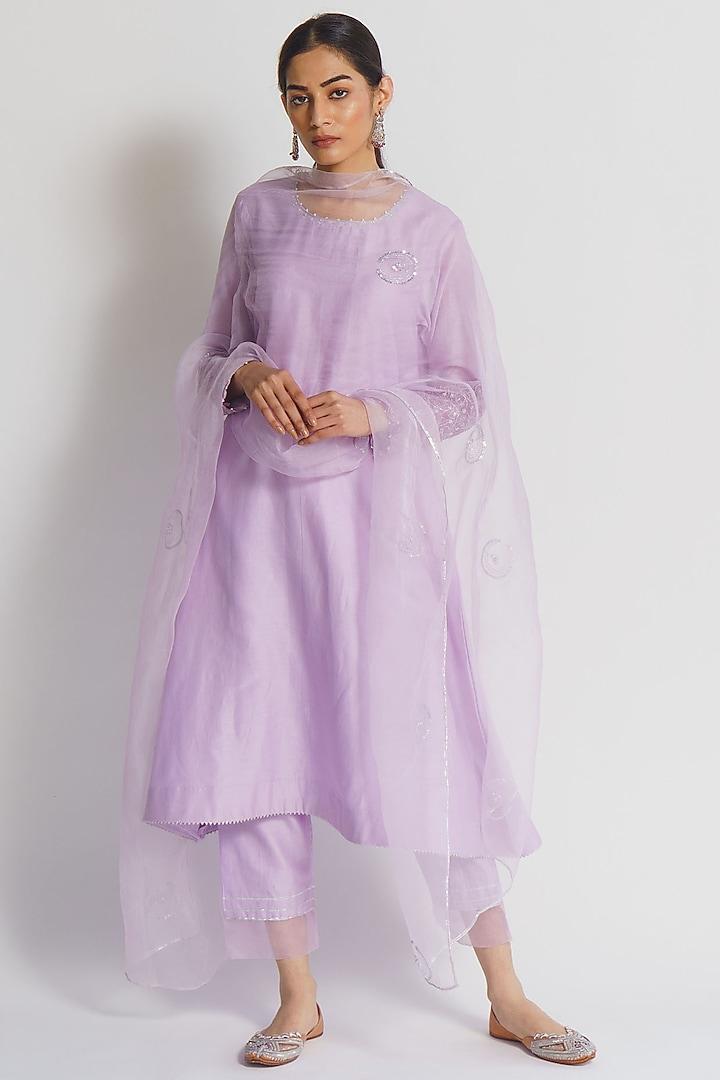 Lilac Embroidered Kurta Set by Sitaraa