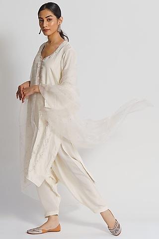 Off White Hand Embroidered Kurta Set by Sitaraa