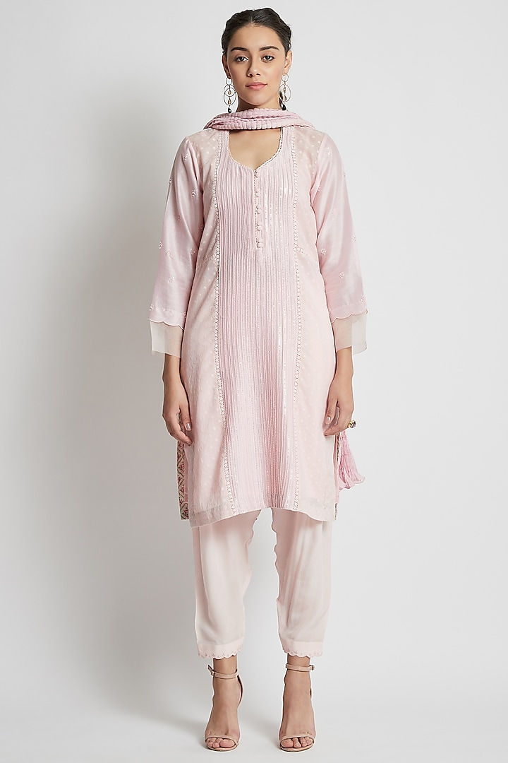 Blush Pink Hand Embroidered Kurta Set by Sitaraa