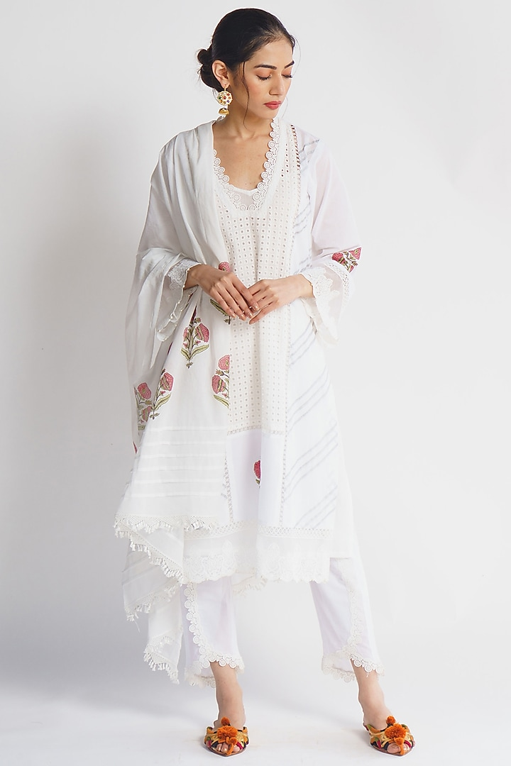 White Block Printed & Embroidered Kurta Set by Sitaraa