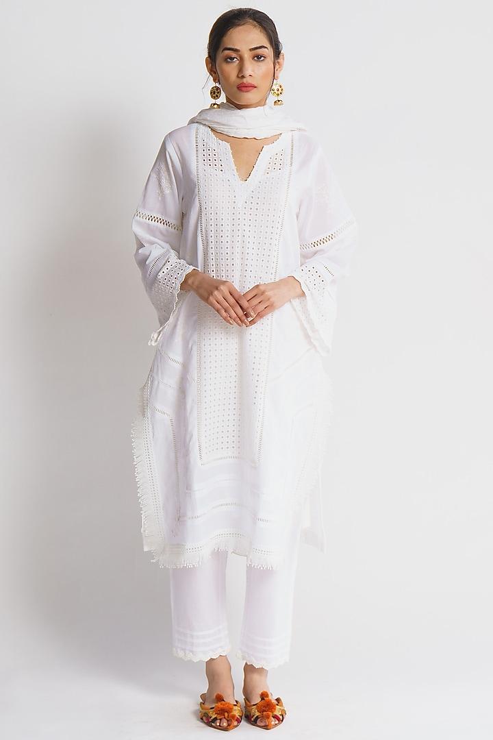 White Embroidered Kurta Set by Sitaraa