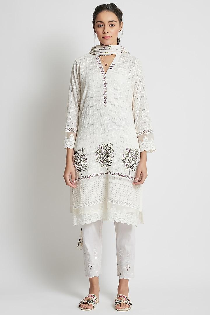 Off White Embroidered & Hand Block Printed Kurta Set by Sitaraa