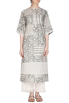 Grey Block Printed Oversized Kurta by Shikha Malik