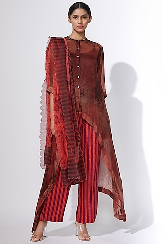 Red Printed Trousers With Pockets by Saaksha & Kinni