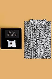 Rakhi Gift Hamper With Kurta & Buttons by SONNET