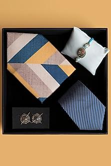 Rakhi Gift Hamper Of Tie, Pocket Square & Cufflinks by SONNET