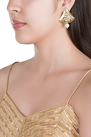 Matte Gold Finish Uncut Triangle Stone Stud Earrings by Shillpa Purii