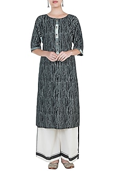 Black & Ivory Geometric Block Printed Kurta by Silkwaves