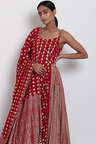 Red Embroidered Kalidar Kurta Set by Seema Nanda