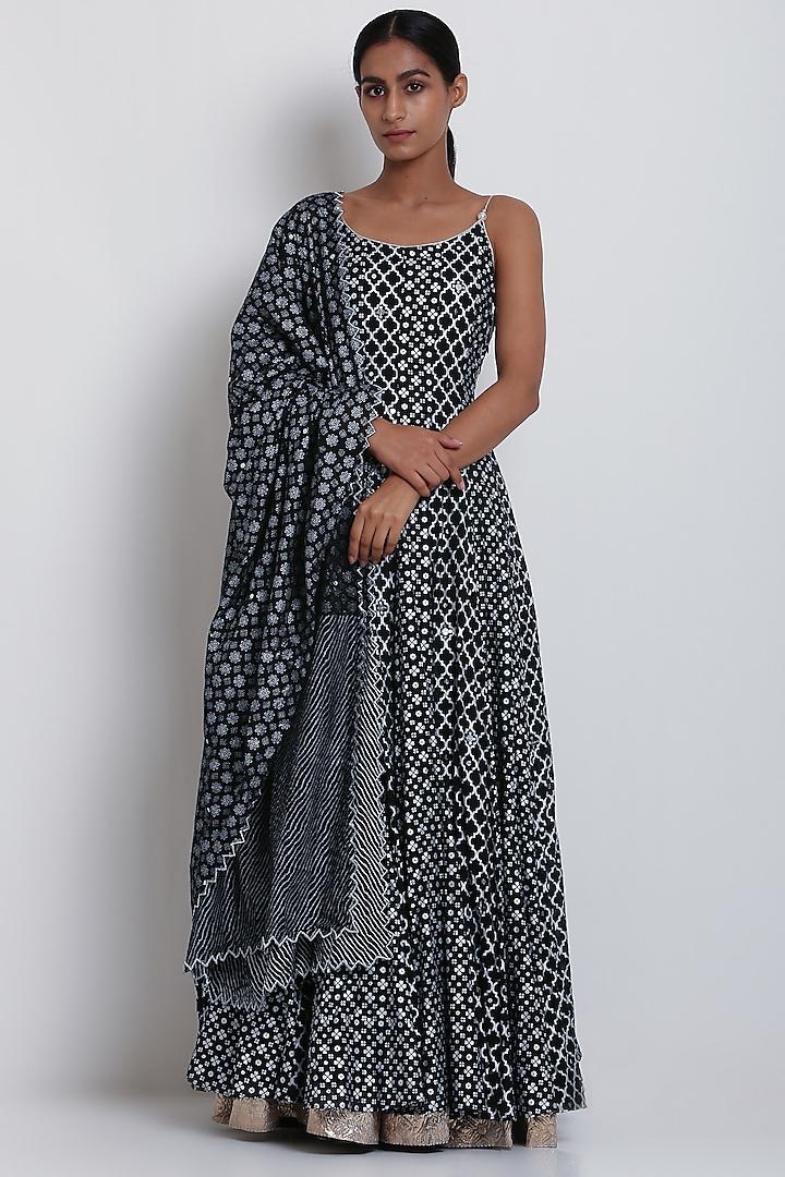 Black Embroidered & Printed Kurta With Dupatta by Seema Nanda
