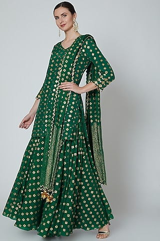 Emerald Green Embroidered Kurta Set by Seema Nanda