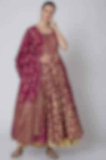 Fuchsia Embroidered Kalidar Anarkali Set by Seema Nanda