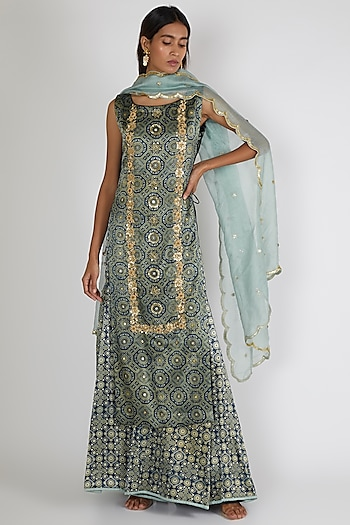 Turquoise Embroidered Kurta Set by Salian By Anushree