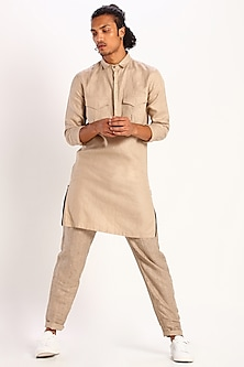 Beige Constructed Kurta With Pockets by Son Of A Noble SNOB