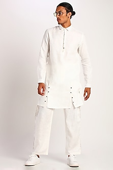 White Kurta With Metal Buttons by Son Of A Noble SNOB