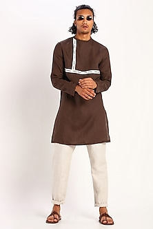 Brown Kurta In Linen by Son Of A Noble SNOB