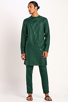 Green Kurta With Double Placket by Son Of A Noble SNOB