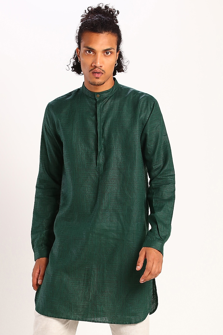 Green Printed Linen Kurta by Son Of A Noble SNOB