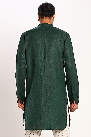Green Linen Kurta With Print by Son Of A Noble SNOB
