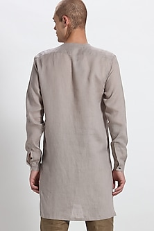 Stone Grey Tilted Placket Kurta by Son Of A Noble SNOB