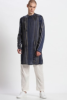 Navy Blue Printed Kurta With Pants by Son Of A Noble SNOB